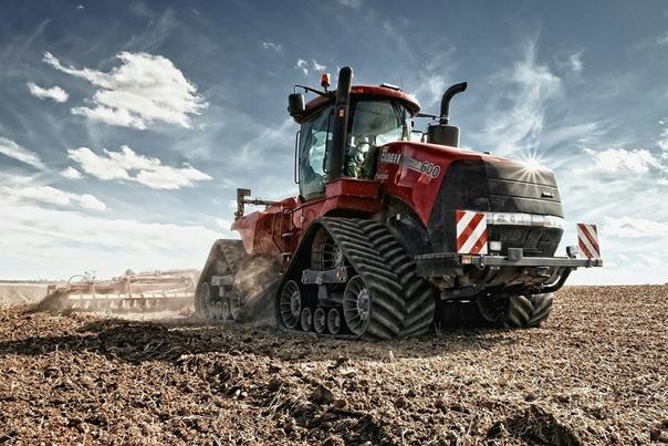 Трактор Case IH Steiger 600 Quadtrac - Двигатель: 12.9 л, дизель - Мощность: 670 л.с. - Максимальная скорость: 40 км/ч