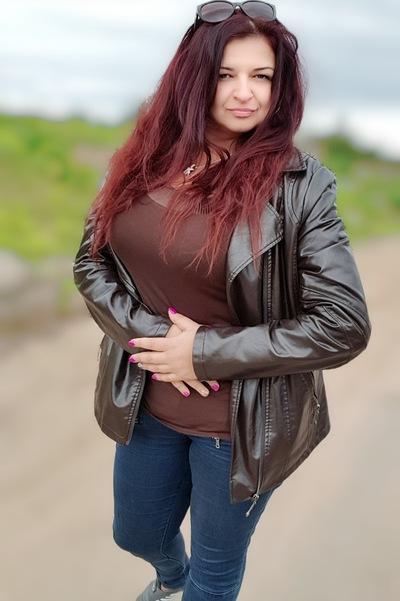 Аня Худякова