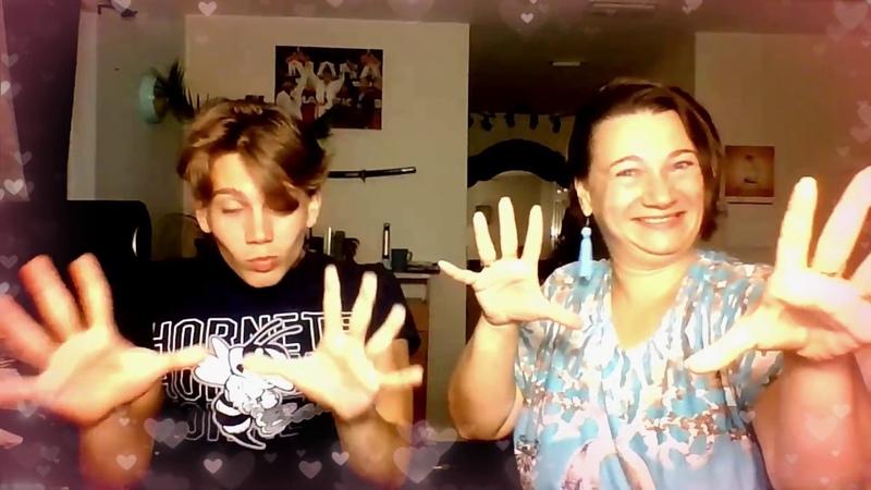 1. Караоке мамы с сыном. Памперс надень!