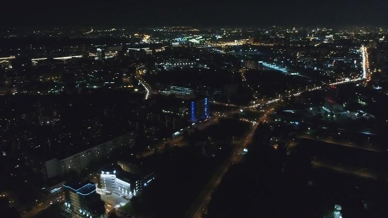 Москва вечером Большая Пироговская улица ночью под утро в Москве Большая Полянка, улица днём