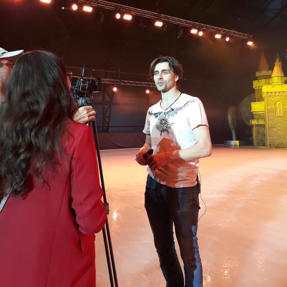 Ледовые шоу-2018-2019 - Страница 9 OXBeL5-ACkM