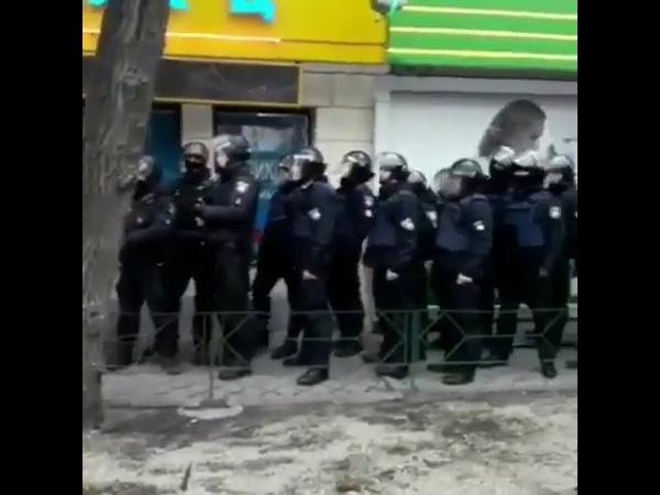 Проспект Металлургов Активисты против аптек торгующий наркотическими веществами без рецепта