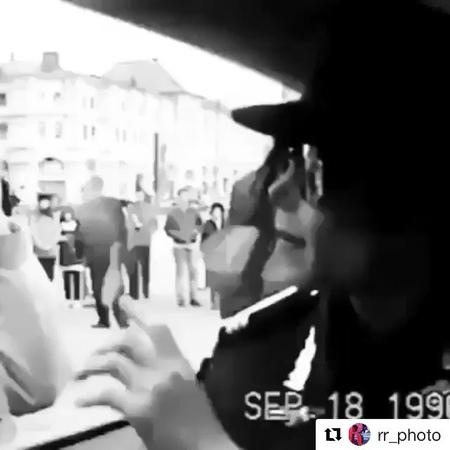 """Светская Хроника КП on Instagram """"1996 год, Майкл Джексон в Москве. Repost @rr_photo with @get_repost ・・・ Девочка , найдись kpru ♥️"""""""