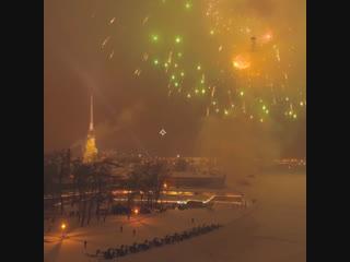 Салют в годовщину снятия блокады Ленинграда