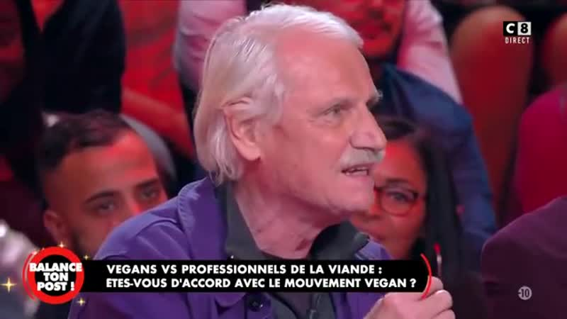 Une vegane tente une action en direct, la sécurité intervient