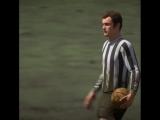 Джим хантер в ретро матче Ньюкасла в Режиме Истории Алекса Хантера FIFA19