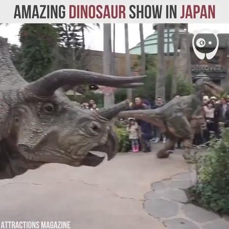 Крутое шоу с динозаврами в Японии