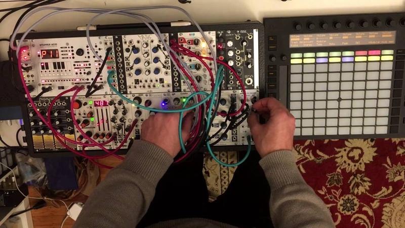 Acid Techno with Modular Push
