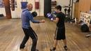 Бокс: дальний боковой удар в обход блока (English subs)