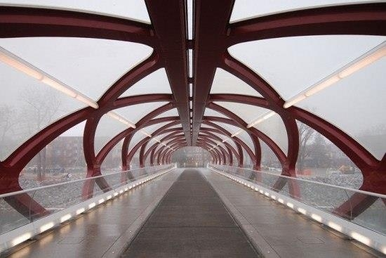 Мост Сантьяго Калатравы через реку Боу