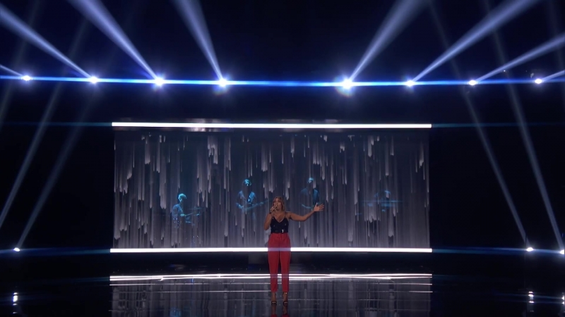 Glennis Grace_ Singer Performs Powerful