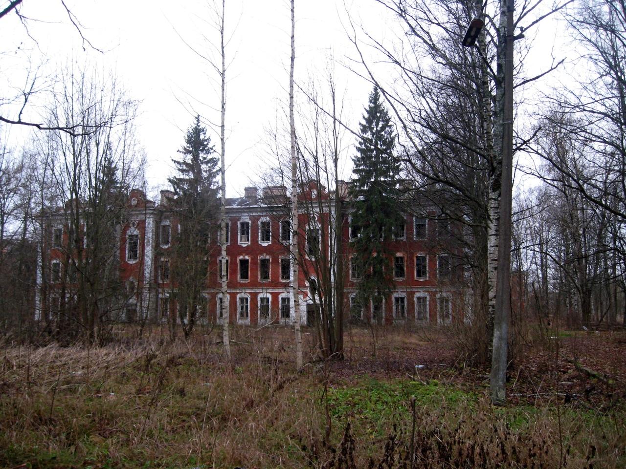 Прогулка по неизвестному Павловску. Заброшенные царские казармы лейб-гвардии
