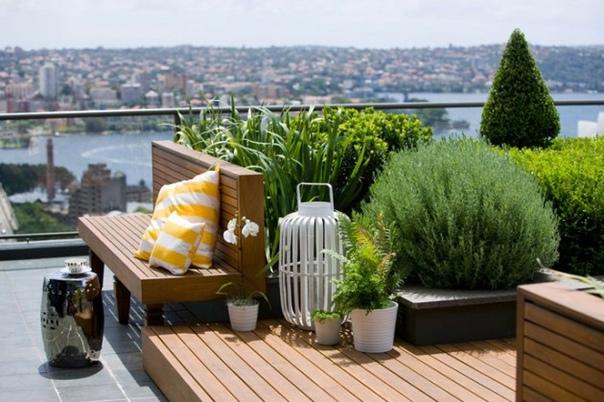 недавно мы дружно вдохновлялись частными зимними садами, а сегодня нашли новый повод чилаут-зоны и дворики на крышах даже если вам кажется, что такой проект сложно реализовать в рамках суровых