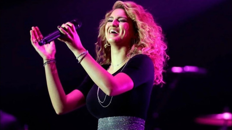 Tori Kelly ft Kirk Franklin Never Alone Live Performance at the Dove Awards 2018