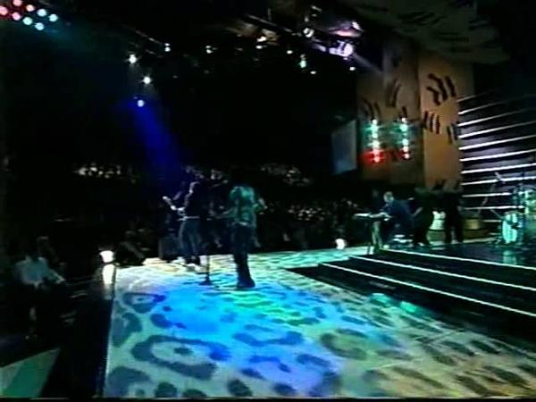 Presentación de Juanes en la Velada de Elección y Coronación 2000