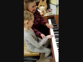 Мокрецова Рита на Фортепиано творческой мастерской на Ленина 162-а,44-75-09