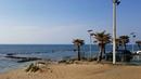 Бат ям Израиль зимой. Набережная бат яма. Средиземное море. Детская площадка