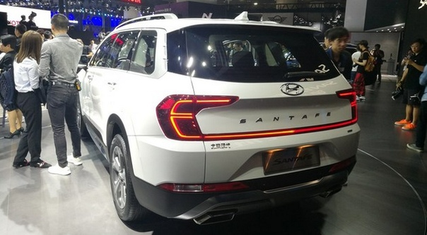 Другой Hyundai Santa Fe: он больше и у него есть сканеры отпечатка пальца. Компания Хёндэ представила кроссовер нового поколения, предназначенный для китайского рынка. «Поднебесный» паркетник