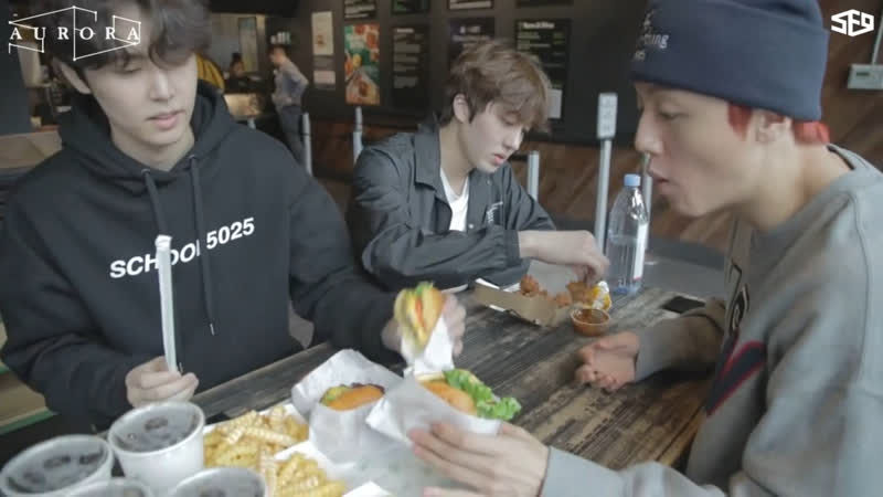 [РУС.САБ][SF9s Travelog] Чеюн, Ёнбин и Чани в Shake Shack