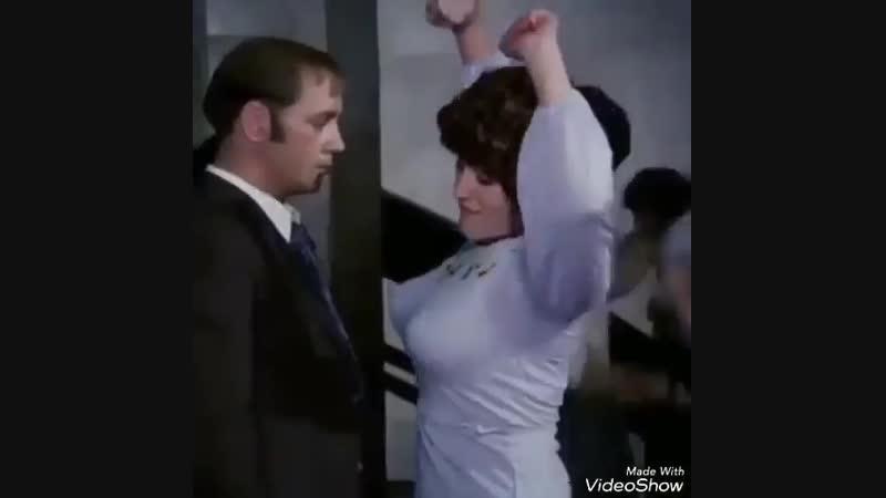 Грибы - Тает лёд (хорошее настроение, смешное видео, дискотека, флирт, большая грудь, горячие танцы, знакомство, трясет грудью).