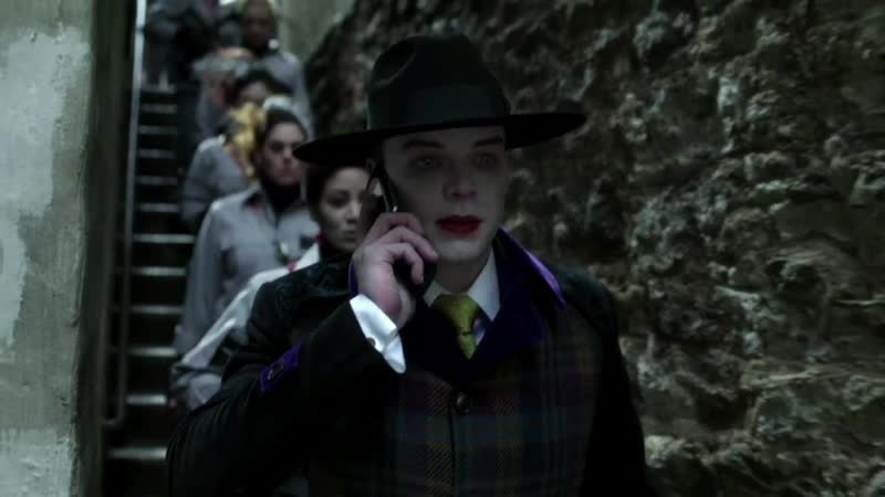 GOTHAM • SEASON 4x21• Bruce gets a phone call from Jeremiah