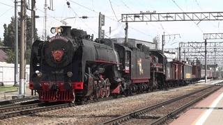 Паровозы ФД20-1679 и Эр739-99 с ретро поездом