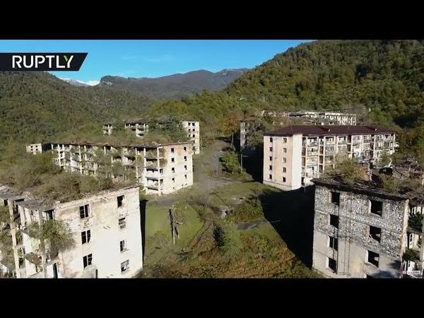 Грустное видео снятое в Ткварчеле и Акармаре в Абхазии 25 лет назад из за войны отсюда ушли люди и началась разруха