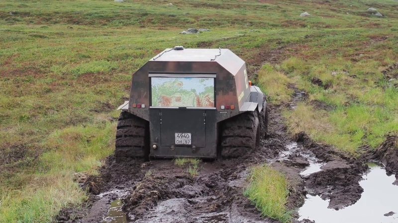 Вездеход Шерп засадили дважды. Russian ATV Sherp stuck down twice in Russian mud in swampy tundra
