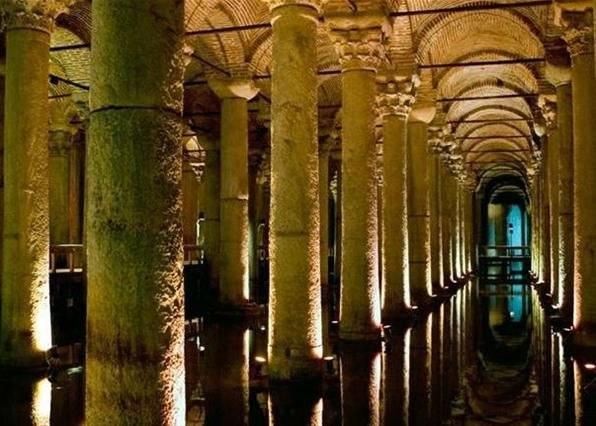 дворец, ушедший под землю летом этого года китайские ученые доказали: путешествие во времени невозможно. жаль безусловно. но у любителей древностей осталась лазейка, через которую можно