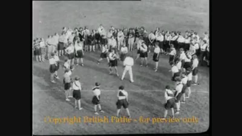Should Girls Box - British Pathé