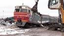 Слом моторного вагона дизель поезда ДР1А 224 1 Scrapping of DR1A 224 DMU motor car 1