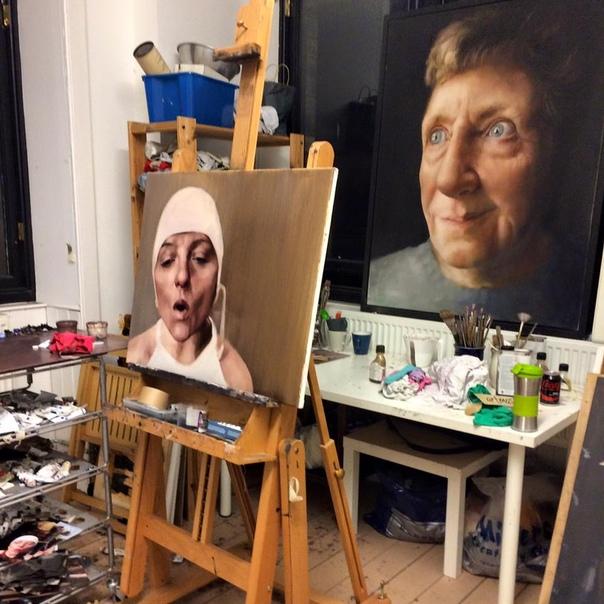 Чарлин Дайер (Cherylene Dyer, 1973-) - британская художница.