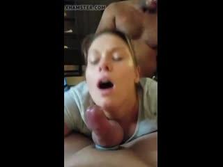 Жену трахают при муже.