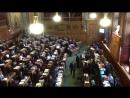 Овация в парижском городском совете после голосования по Сенцову
