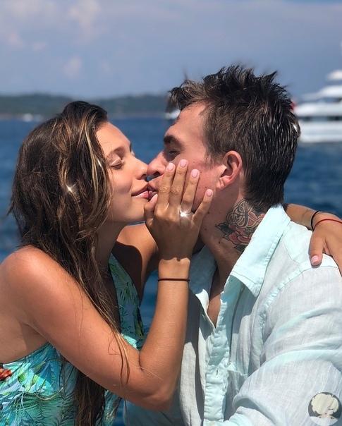 Регина Тодоренко: Я с детства знала, что выйду замуж за беленького из Smash!!  Ведущая рассказала о свадьбе, беременности и о том, как Влад сделал предложение