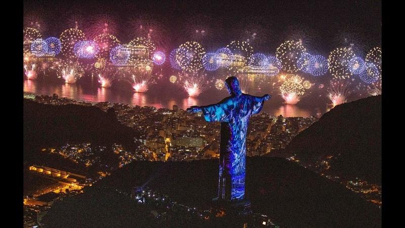 Réveillon em Copacabana reúne 2,8 milhões de pessoas para assistir espetáculo de fogos e shows