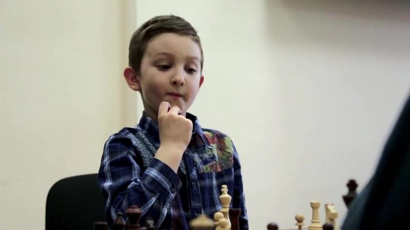 Занятия в шахматном клубе Интеллект
