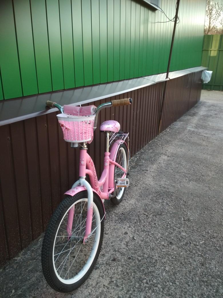 Продам велосипед для девочки, диаметр колеса 24, б/у 1 сезон, в хорошем состоянии, 3500 рублей, тел.