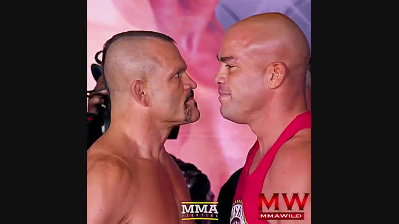 Chuck Liddel vs Tito Ortiz