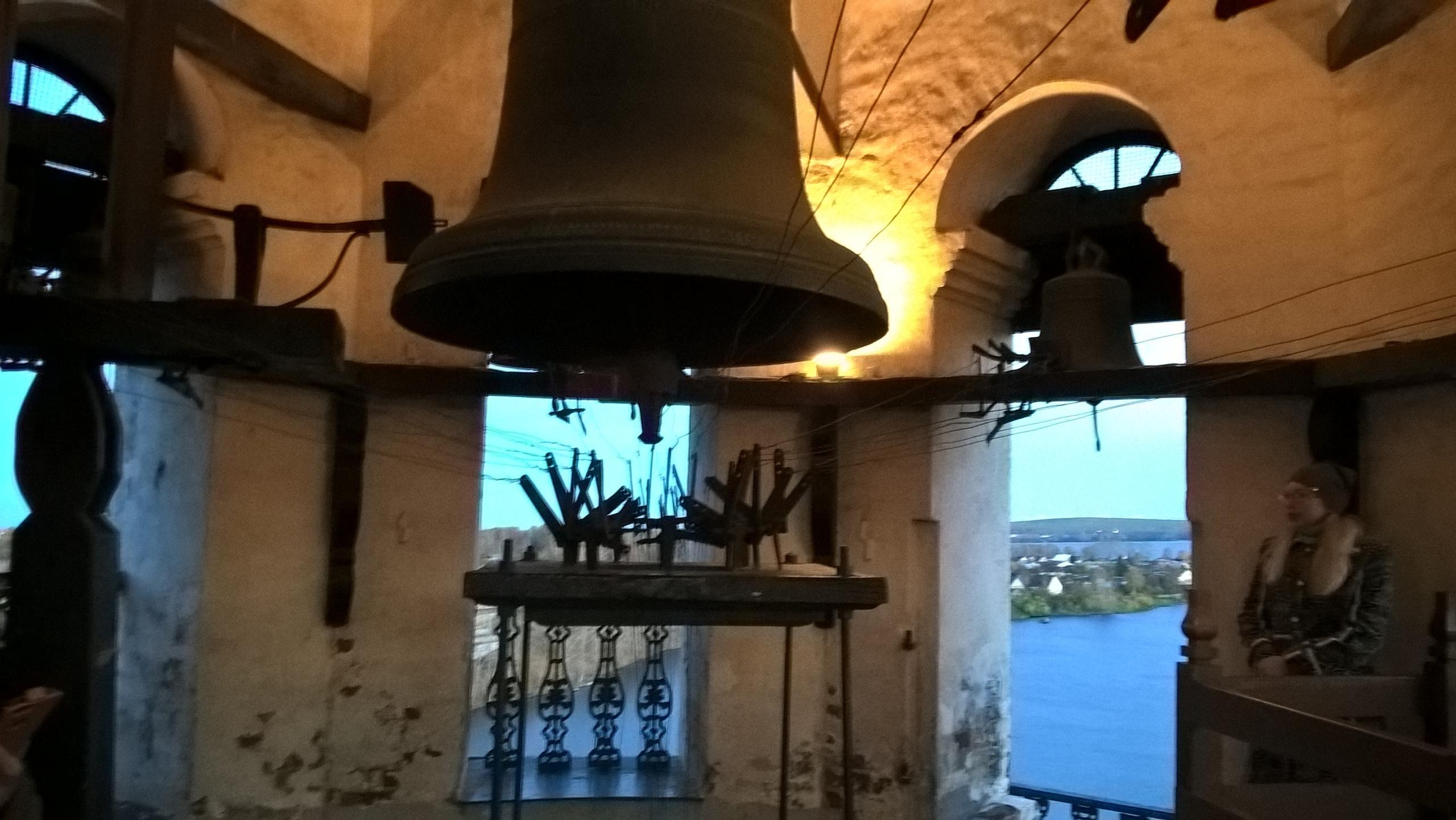 На самом верхнем (колокольном) ярусе Невьянской башни