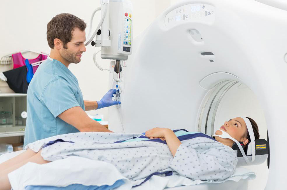 Сканирование ПЭТ можно комбинировать с КТ или МРТ, чтобы получить более подробные результаты для точной диагностики рака