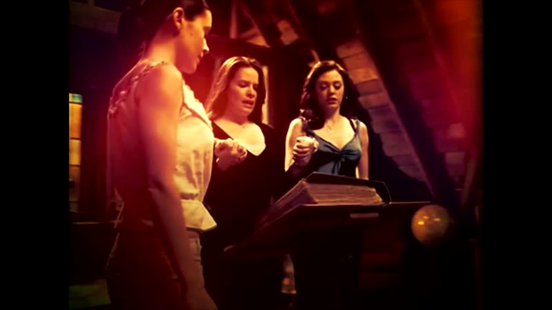Charmed - [7x22] - Something Wicca This Way Goes Opening