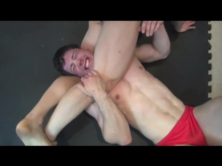 Josh tries to Hold on in a Vicious Head Scissors but Passes out - Pornhubcom