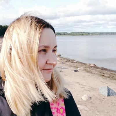 Анна Русинова