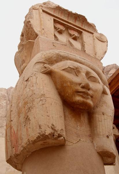 Хатшепсут - первая женщина-фараон (Правление Хатшепсут 14901468 гг. до н. э.) Тайна царицы и её архитектора. В XIV веке до н. э. Египтом правила женщина, которая подобно ассирийской Семирамиде