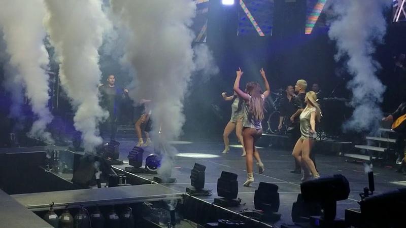 Ricky Martín Sube la Adrelanina KQ Live Concert