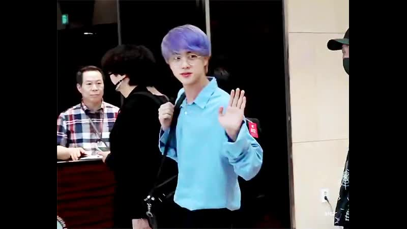 I know i am SO LATE but can we talk about the power 190712 jin holds................