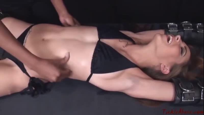 Ticklish woman Thumbzilla