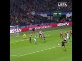 Первый гол Габриэла Жезуса в Лиге чемпионов