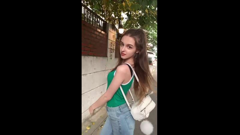 Милая школьница танцует тик ток HD малолетки Tik Tok лесби periscope webm хентай Kwai teen young hentai loli skinny